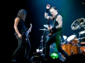 English: Kirk Hammett and James Hetfield playing at Metallica show at The O2 Arena, London, England