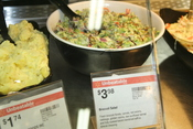 English: Broccoli salad with signage including ingredient information