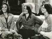 English: Publicity photo of Mary Tyler Moore, Valerie Harper and Liberty Williams from The Mary Tyler Moore Show. In this episode, Mary and Rhoda are in New York for Rhoda's youger sister's wedding.