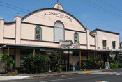English: The theater in Kainaliu, Hawaii County, Hawaii was originally called the Tanimoto after the family who operated it, when it opened in 1832. It showed both American and Japanese films. It is now the home of the Aloha Theater Cafe, and the Aloha Pe