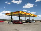 English: Love's Travel Plaza on I-40, New Mexico