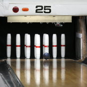 English: Candlepin Bowling, Pins, Ball, and Lane