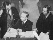 English: Defense lawyers and prosecution at the Nuremberg Trial IX (Einsatzgruppen Trial / Einsatzgruppen-Prozess). From left to right: Friedrich Bergold (attorney for defendant Ernst Biberstein), Benjamin B. Ferencz (chief prosecutor), and Rudolf Aschena