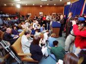 English: Attorney General Bob Butterworth speaking at a news conference with Governor Jeb Bush on the initial Florida recount during the 2000 Presidential election