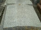 English: The tomb of Russian writer Evgeny Zamiatin and his wife Liudmila on Parisian Cemetry in Thiais, France.