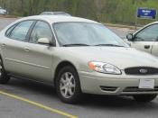 2004-2006 Ford Taurus photographed in USA. Category:Ford Taurus (1999–2007)