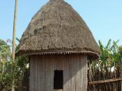 English: African Hut at Bana, a small village of Cameroon. Français : Case africaine à la chefferie de Bana, un petit village du Cameroun.