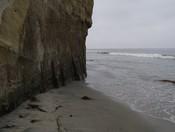English: Cliff on the beach at Fletcher Cove, Solana Beach, California, USA.
