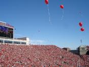 Huskers balloons
