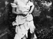 English: Alice Liddell as a beggar-maid (from the story of Cophetua). Supposed tear hole or ink-blot in photo digitally removed. This was first published in Carroll's biography by his nephew: Collingwood, Stuart Dodgson (1898). The Life and Letters of