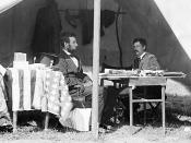 English: Abraham Lincoln and George B. McClellan in the general's tent at Antietam, Maryland, October 3, 1862.