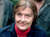 Dian Fossey in November 1985; photograph by Yann Arthus-Bertrand