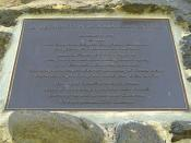 English: Plaque commemorating the 200th anniversary re-enactment in 1998 of the discovery of Western Port by George Bass on 4 January 1798; sited on the reverse face of the Bass-Flinders memorial at the Western Port town of Flinders.