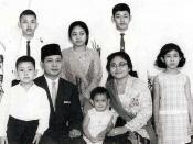 Ex-President Suharto and his wife Siti Hartinah with their sons and daughters. Front row: Hutomo Mandala Putra (born 12 August 1962), President Suharto, Siti Hutami Endang Adiningsih (born 23 August 1964), Siti Hartinah, and Siti Hediati Hariyadi (born 14