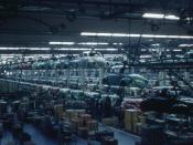 English: A view inside the Volkswagen factory in Wolfsburg, Germany, showing the assembly line. Deutsch: Volkswagen-Produktion in Wolfsburg.
