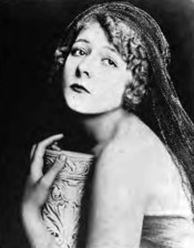 Actress Pauline Curley