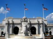 English: Union Station and the Christopher Columbus Memorial Fountain located in Washington, D.C.