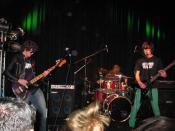 English: Inferiority Complex (band) performing at Northern Sound System.