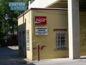 English: View of Canteen Lunch in the Alley in Ottumwa Iowa I took on September 2, 2006. The Canteen is an Ottumwa institution, founded in 1936. This picture is also available on Flickr: http://flickr.com/photos/roemerman/234301229/