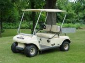 English: A picture of a Club Car 84 golf cart. Italiano: Foto di una golf cart.