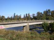 English: Pedestrian Bridge to Autzen Stadium, University of Oregon, Eugene, Oregon (2011)
