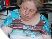 Español: La periodista Maria Antonia Iglesias firmando en la Feria del libro de Madrid, junio de 2007.