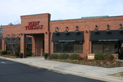 English: Ruby Tuesday on North Carolina Highway 54 in Durham, North Carolina.
