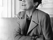 Photograph of Elsa Schiaparelli wearing a