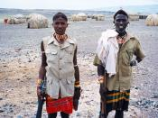 English: Samburu warriors near Lake Turkana, Kenya. עברית: לוחמי סמבורו ליד אגם טורקנה, קניה.