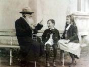 Л. Н.Толстой рассказывает сказку внукам. 1909