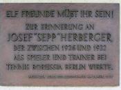 Memorial plaque, Sepp Herberger, Waldschulallee 34, Berlin-Westend, Germany Koordinate: 52°30′3″N 13°15′50″E  /  °S °W  / ; latd>90 (dms format) in latd latm lats longm longs