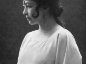 English: Photo of Harriet Bosse as Indra's daughter in A Dream Play by August Strindberg.