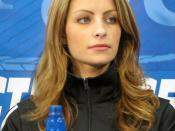 Photo of figure skater Tanith Belbin.