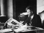 Trotsky reading the Militant in 1931