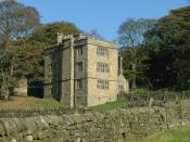 English: North Lees Hall, near Hathersage This fine Elizabethan hall, built circa 1590, is a nice example of the North Derbyshire tower house. It was occupied at various times by members of the Eyre family and was stayed in by Charlotte Bronte in 1845, wh
