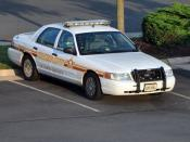 English: A Ford Crown Victoria belonging to Loudoun County's Sheriff in Virginia, USA.