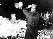 English: 1933 May 10 Berlin book burning -- taken from the U.S. National Archives Česky: Pálení knih v Berlíně, z 10. května 1933
