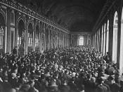 The delegations signing the Treaty of Versailles in the Hall of Mirrors.