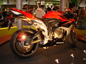 2007 Honda CBR600RR on display at the 2006 International Motorcycle Show in Long Beach, CA. Camera used was a Sony Cyber-shot DSC-W100.