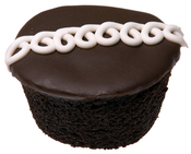 English: A Hostess CupCake, shown whole.