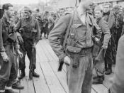 IWM caption : THE DIEPPE RAID, 19 AUGUST 1942 Lt Col The Lord Lovat, CO of No. 4 Commando, at Newhaven after returning from the raid.