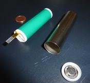 English: Cylindric Lithium-Ion Battery Cell (18650) before closing Deutsch: Zylindrische Lithium-Ionenzelle (18650) vor dem Zusammenbau