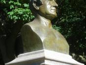 English: Looking southeast at bust of Washington Irving in Brooklyn, New York, on a sunny afternoon.