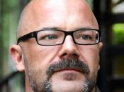 English: A photo of author and political commentator Andrew Sullivan. Taken in Amsterdam, Holland with a Nikon D2Xs.