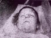 Mortuary photo of Mary Ann Nichols, presumed victim of Jack the Ripper. Deutsch: Aufgebahrte Leiche der ermordeten Mary Ann Nichols, ein mutmaßliches Opfer des Serienmörders Jack the Ripper.