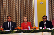 English: Secretary Clinton meets with India's business leaders. From left to right: Ratan Tata, Charmain of the Tata Group; Secretary Clinton; Mukesh Ambani, Chairman and Managing Director of Reliance Industries.