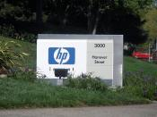 English: This sign welcomes visitors to the headquarters of the Hewlett-Packard Company at 3000 Hanover Street in Palo Alto, California.