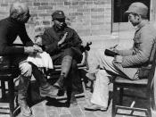 English: Meeting between Dr. Norman Bethune (left) and Nieh Jung-Chen (centre), Commander-in-Chief of the Chin-Ch'a-Chi Border Region, 1938 / China Italiano: Incontro tra Norman Bethune (a sinistra) e Nieh Jung-Chen (al centro), comandante in capo della r