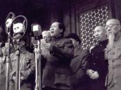 Pictured here is former Chinese Chairman Mao Zedong announcing the founding of the People's Republic of China on October 1 1949. Italiano: Immagine di Mao Tse-tung che proclama la nascita della Repubblica Popolare Cinese l'1 ottobre 1949