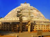 English: The main Sanchi Stupa from the Eastern gate, in Madhya Pradesh, which contain the relics of Gautam Buddha.